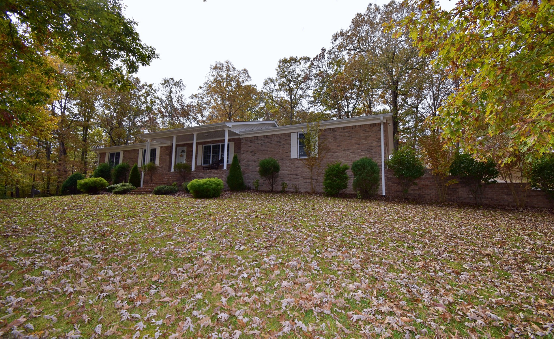 REDUCED! 3 Bedroom 2.5 Bath Ranch Style Brick Home Linden TN