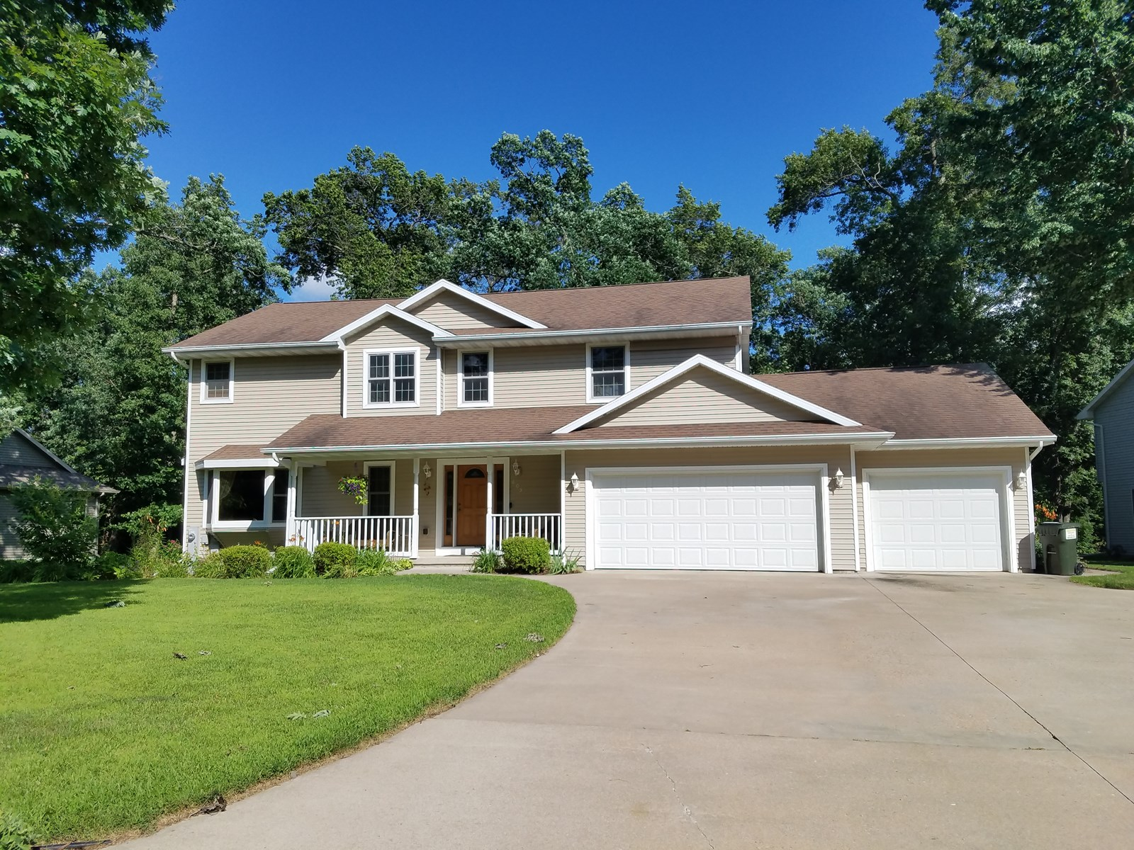 Beautiful Home for Sale in Waupaca, WI