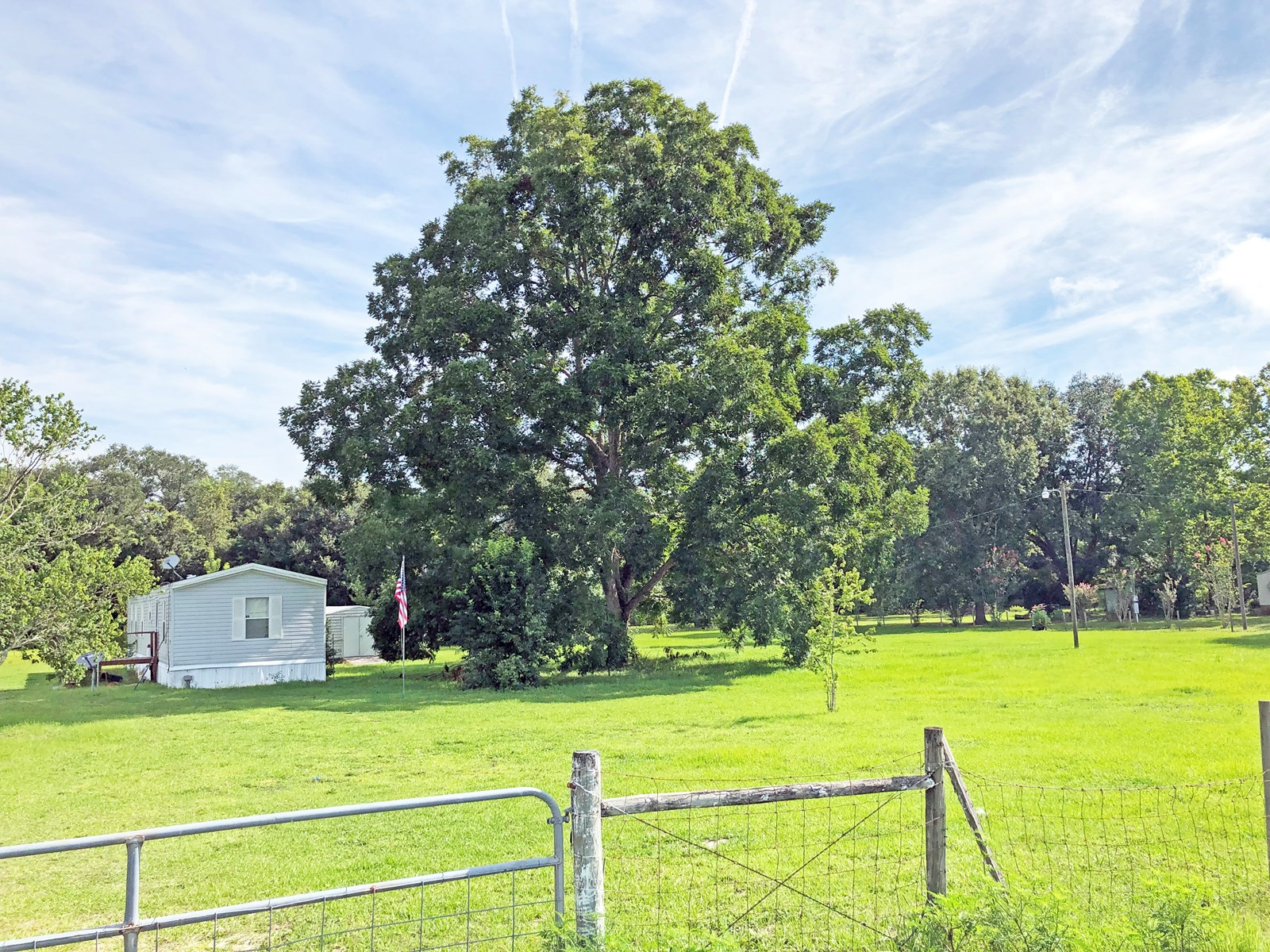 2BR/2BA HOME IN THE COUNTRY!
