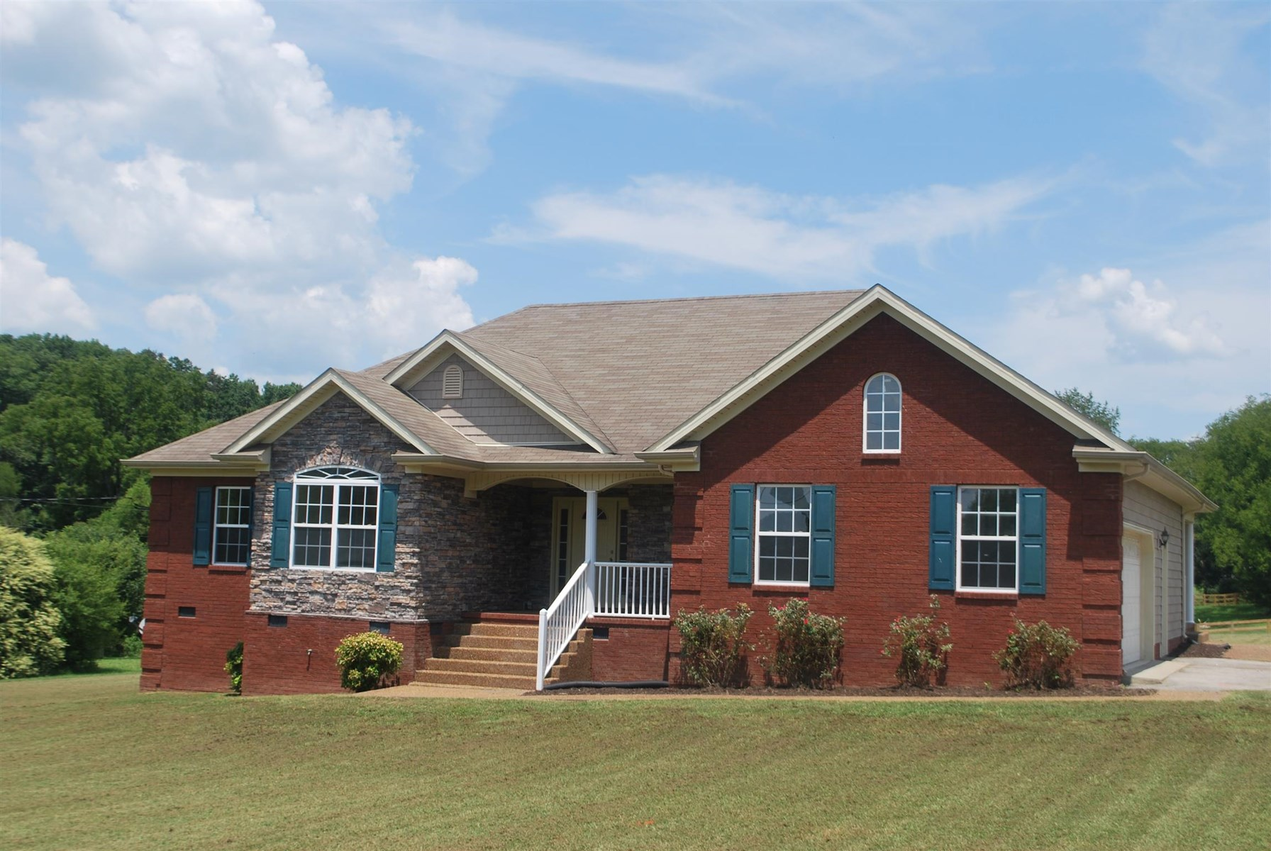 Country Living on 1 Acre Lot, Columbia, Tennessee