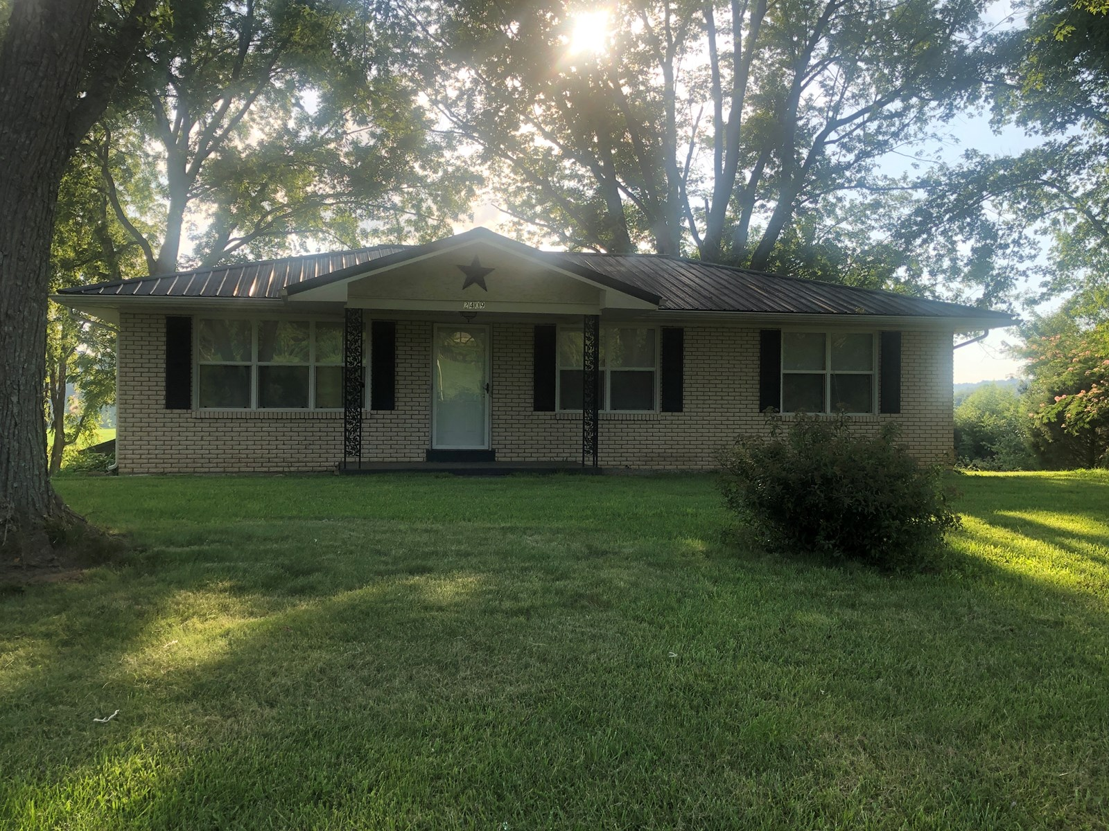 3 Bedroom Country Home for sale near Brownsville Ky.