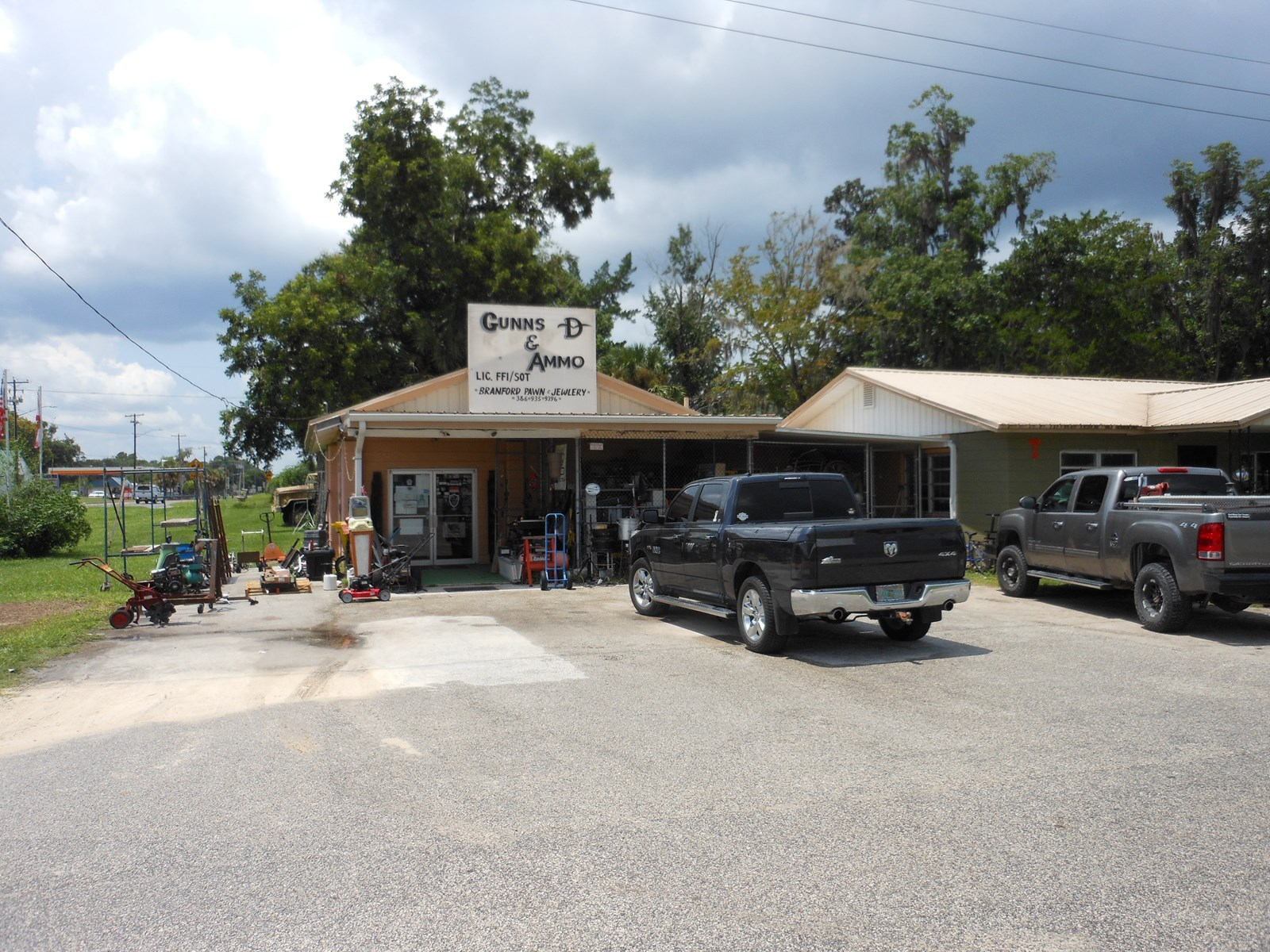 PAWN SHOP BUSINESS IN NORTH FLORIDA!!