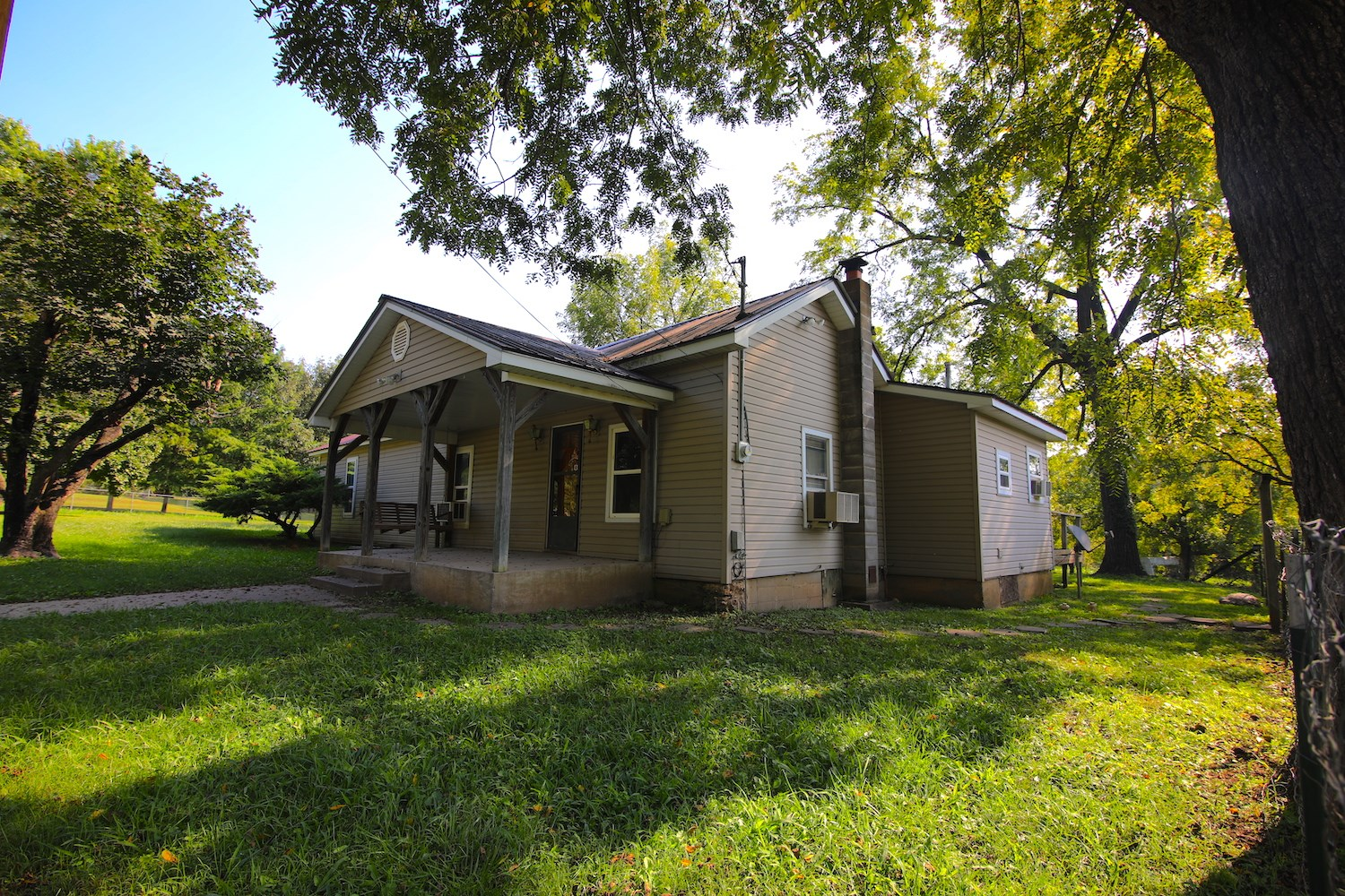 Small Hobby Farm for Sale in Thayer Missouri