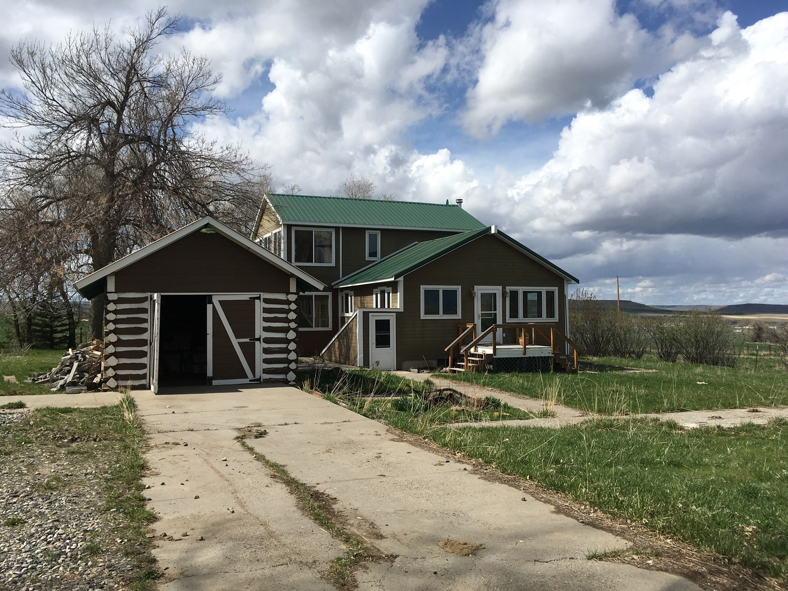 Great acreage with great water located in South Central MT