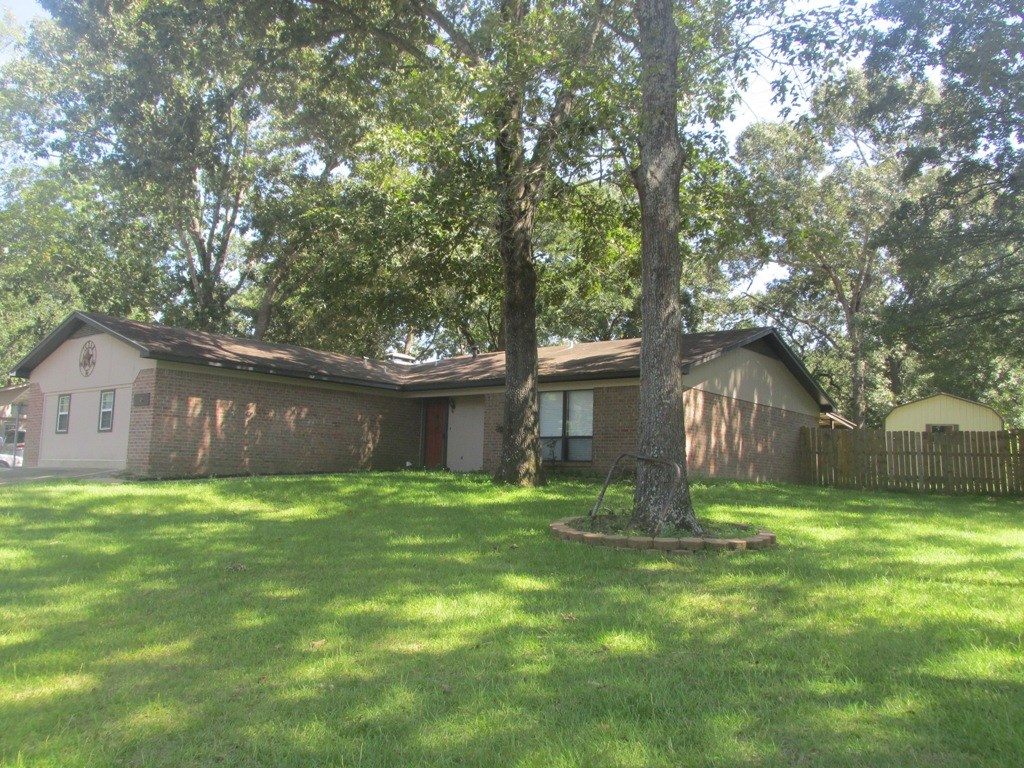 HOME FOR SALE IN EAST TEXAS IN CITY LIMITS