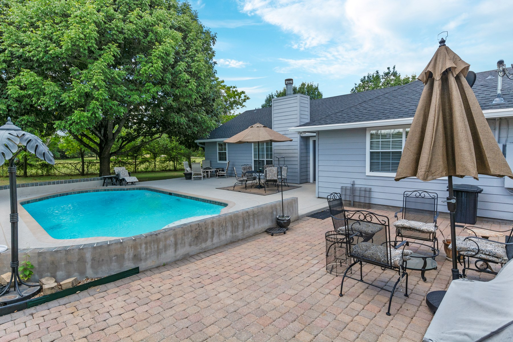 Three bed, two ba, in Bastrop County in Rosanky Community