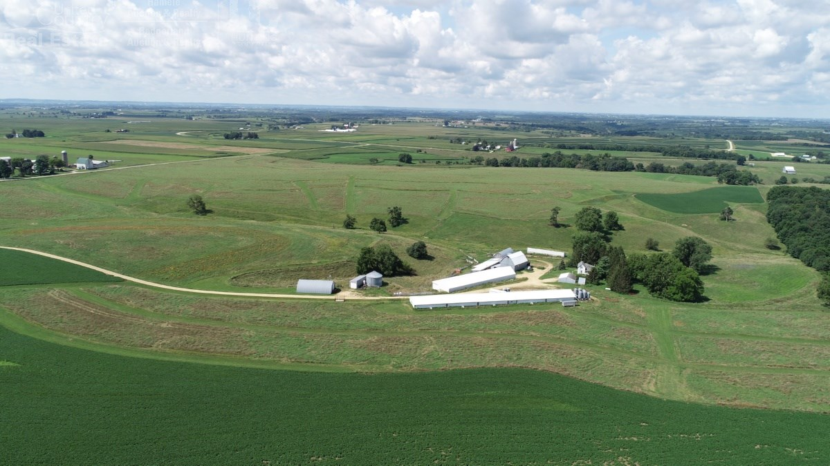Awesome hunting farm with pasture and luxury building sites